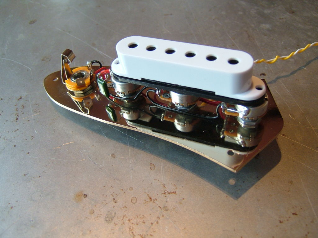 Jazz Bass Dummy Coil Hum Cancelling Electric Guitar Pickups By Fender Wide Range Pickup Wiring Diagram